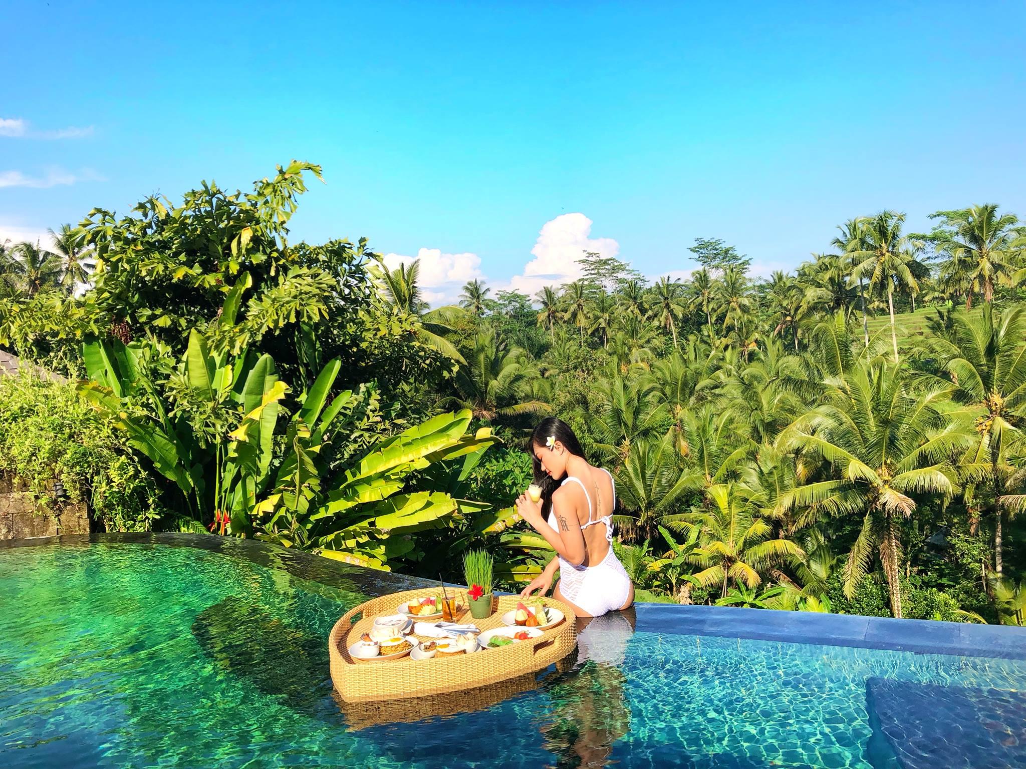 bali-floating-breakfast