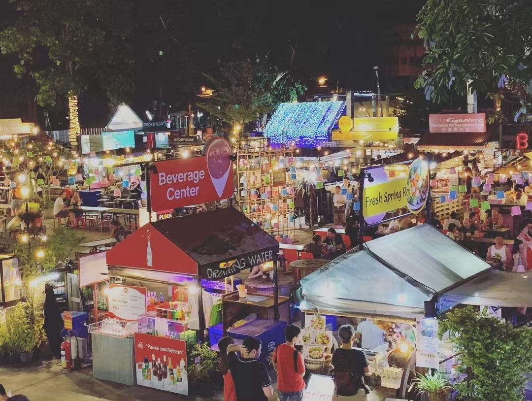 thailand_le-hoi-den-troi-chiang-mai-08