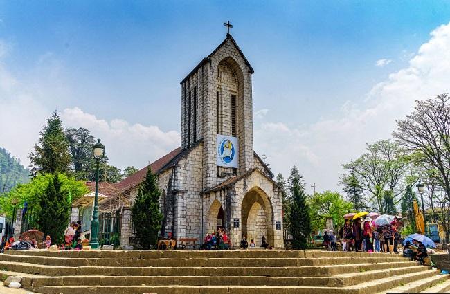 Đôi nét về nhà thờ đá Sa Pa - Biểu trưng của thị trấn tuyết - Halo Travel