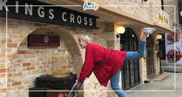 """Photo of """"Hóa thành phù thủy"""" tại thánh địa 943 Kings Cross Harry Potter Café"""