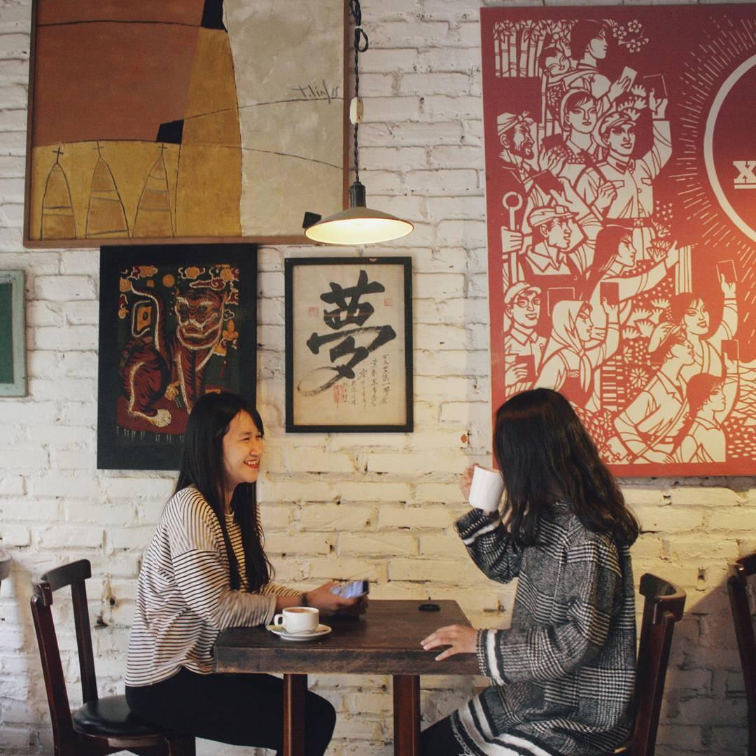 hanoi_nhung-quan-cafe-phong-cach-bao-cap-o-ha-noi-03