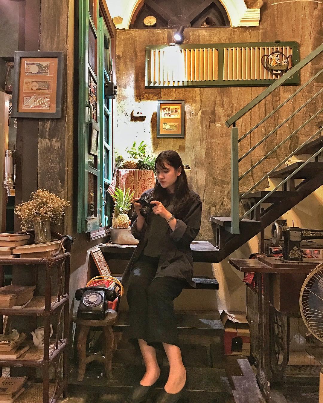 hanoi_nhung-quan-cafe-phong-cach-bao-cap-o-ha-noi-05