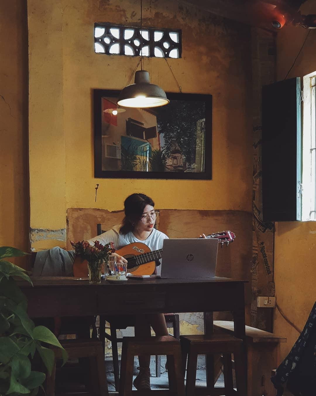 quan-cafe-bao-cap-ha-noi-03