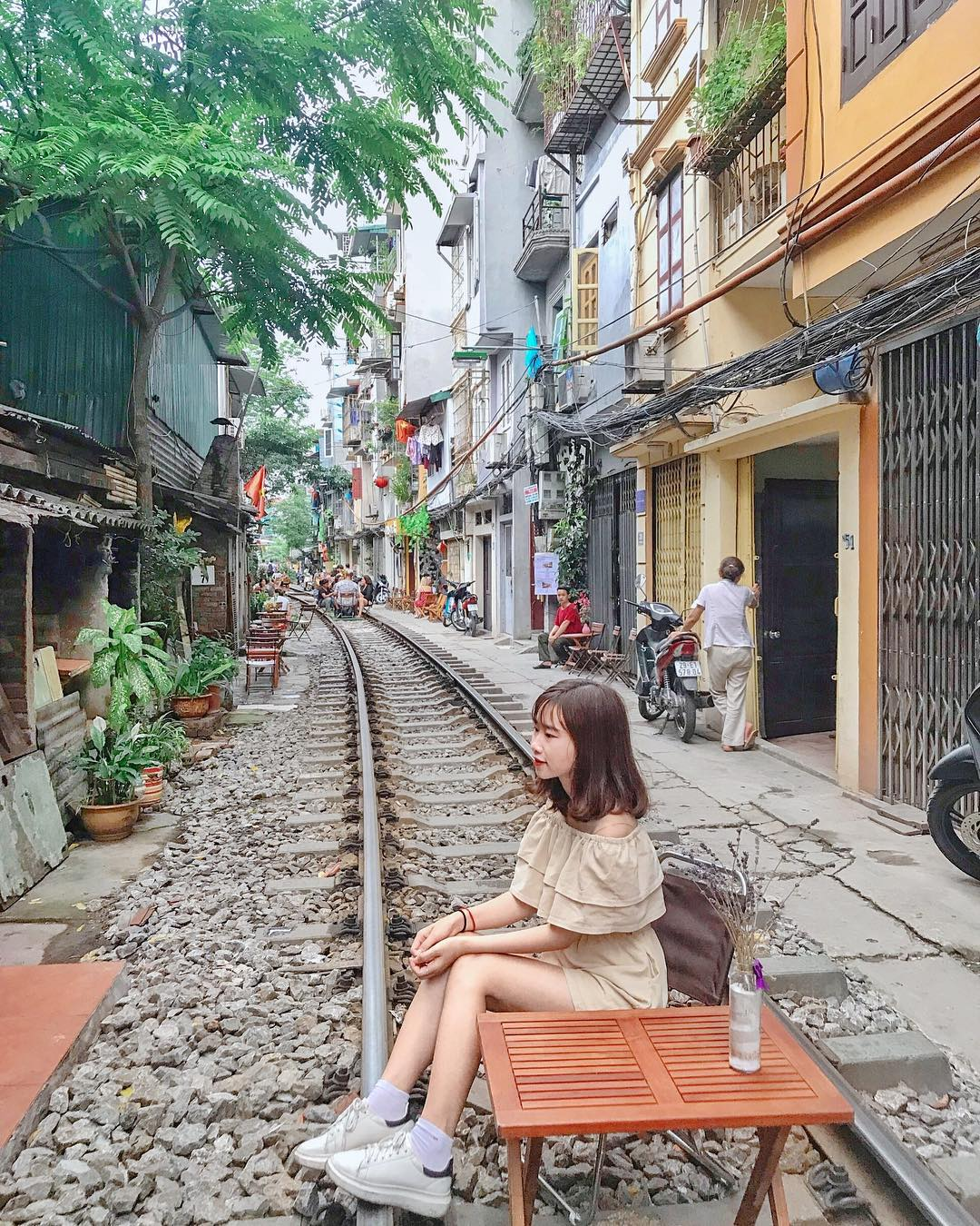 hanoi_xom-cafe-duong-tau-ha-noi-06