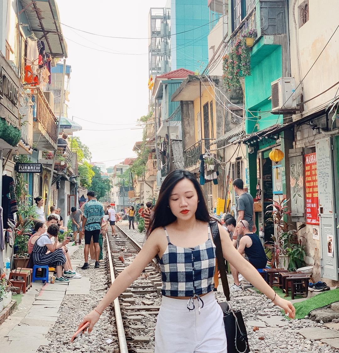 hanoi_xom-cafe-duong-tau-ha-noi-1