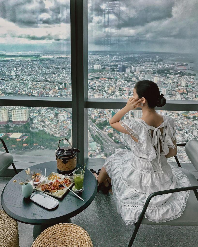Sai-gon-song-ao-blank-lounge-2