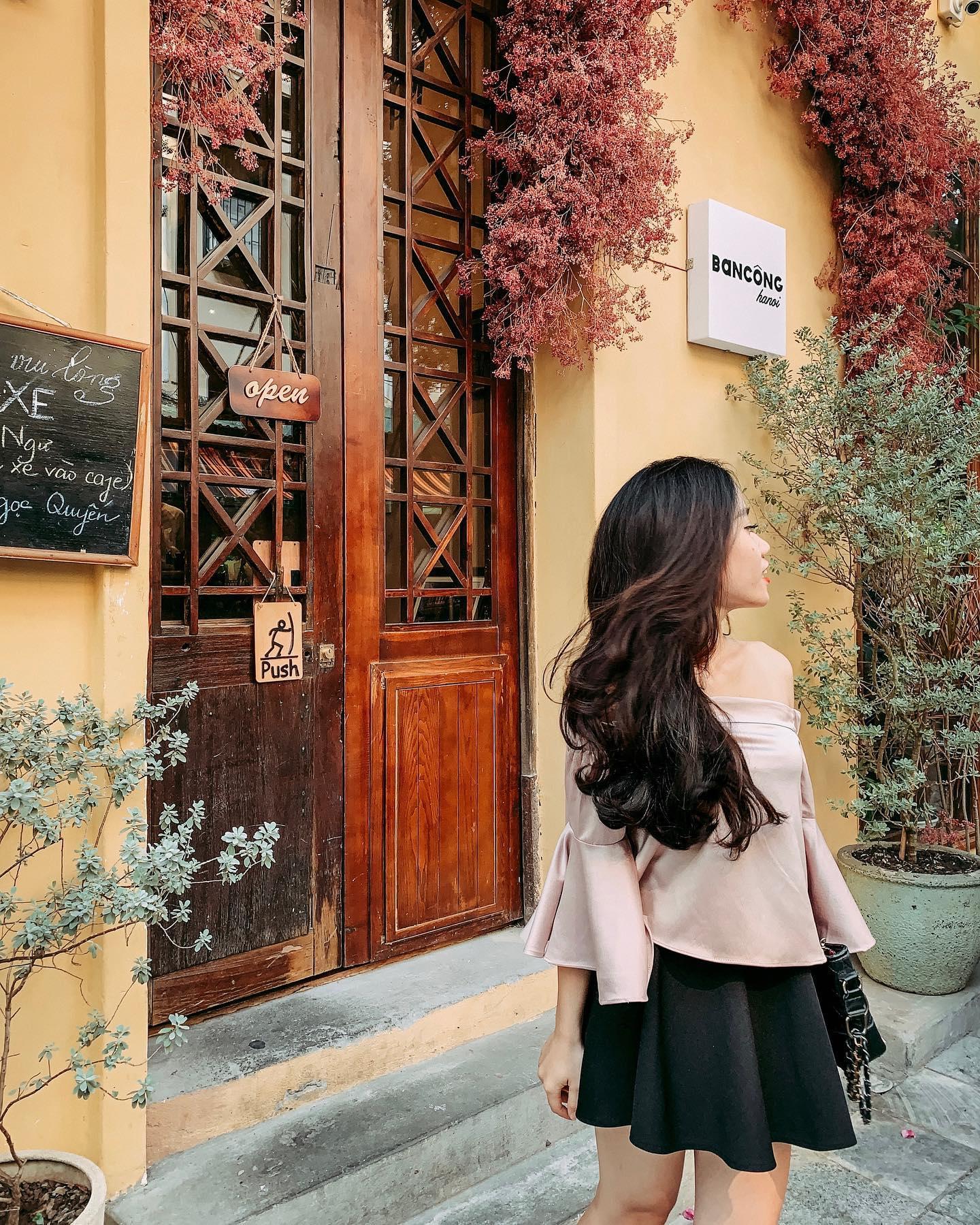 ha-noi-ban-cong-cafe-79