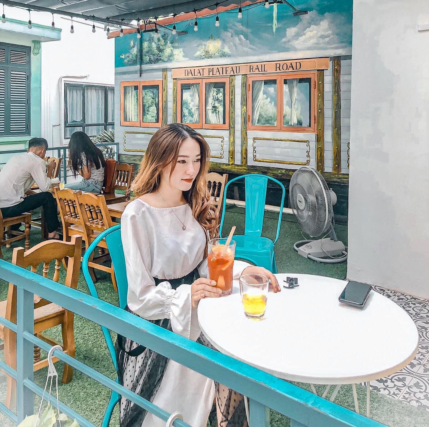 Timeline Coffee quận Cầu Giấy, Đà Lạt thu nhỏ giữa lòng Hà Nội