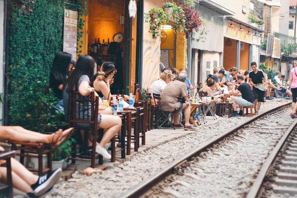 Khung cảnh nên thơ của Cafe Đường Tàu