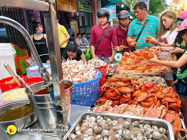 Saigon_an-tom-cang-o-sai-gon-09