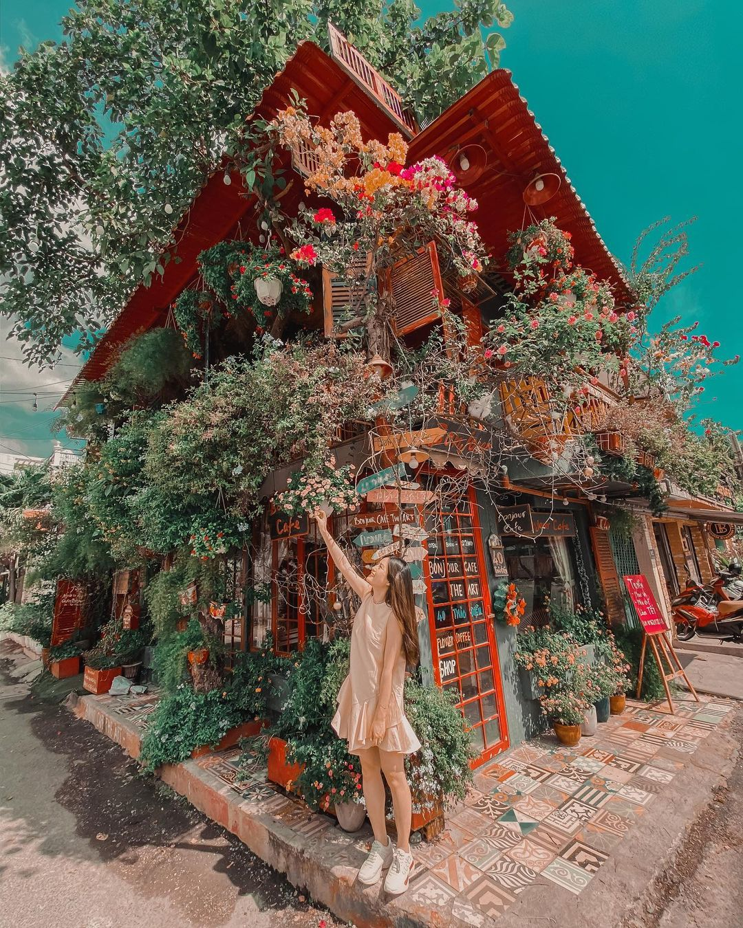 bonjour cafe the art tren con pho nho