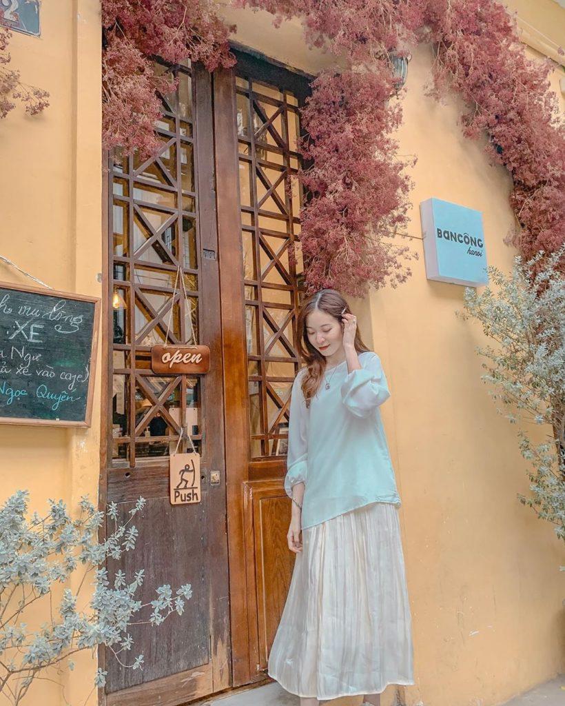 Ban Công Cafe