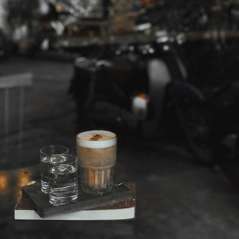 sai-gon-cafe-dep-tai-sai-gon-rosaria-book-coffee-7