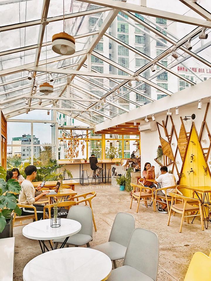sai-gon-cafe-nang-rooftop-cafe-sai-gon-1