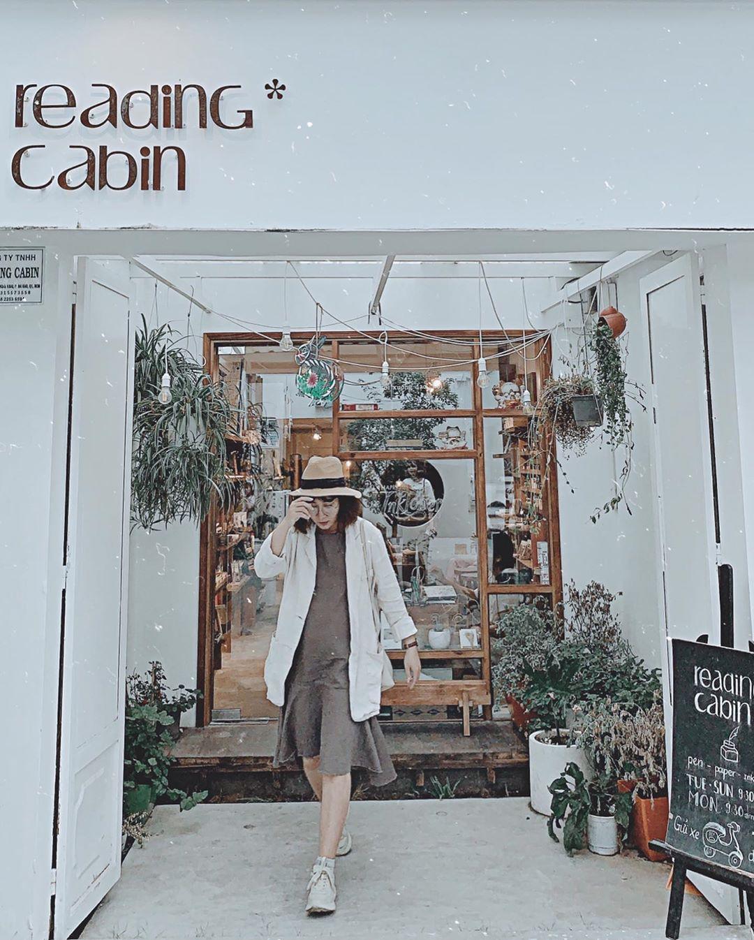 Saigon-reading-cabin-14