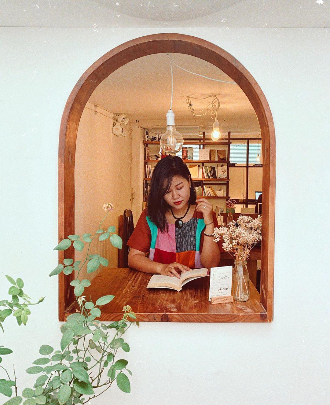 Saigon-reading-cabin-17