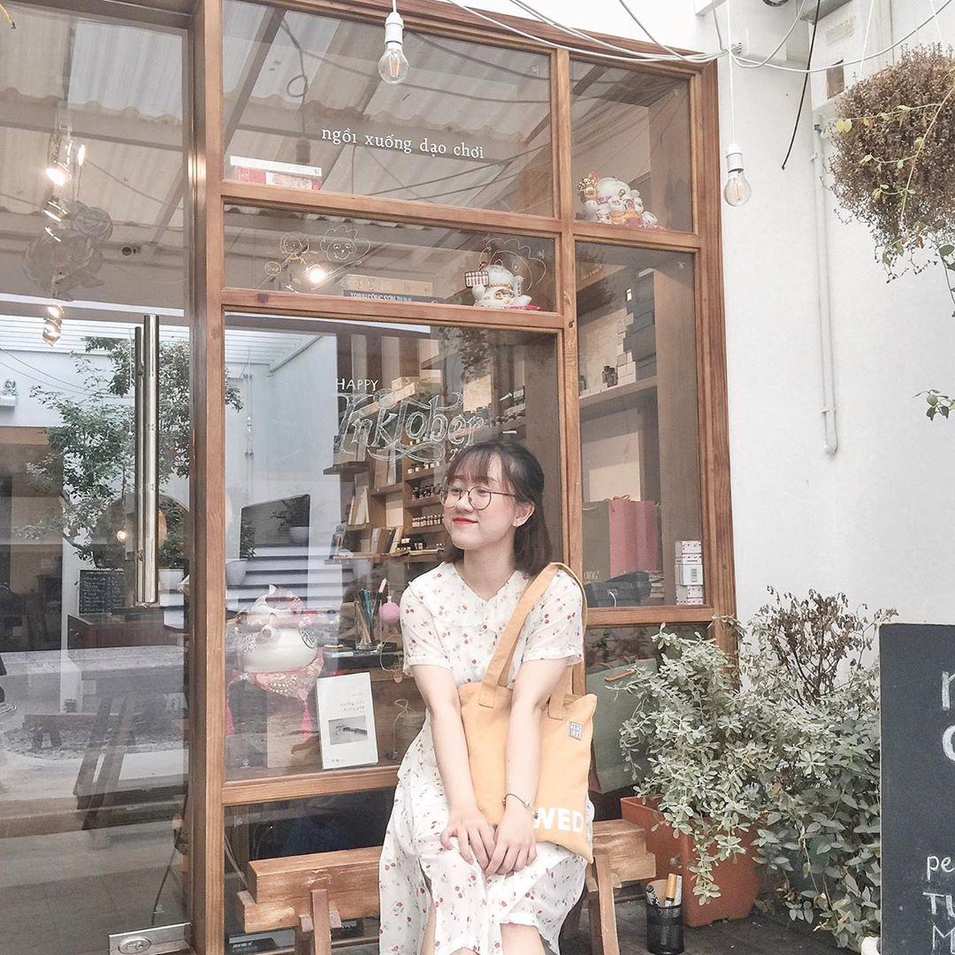 Saigon-reading-cabin-16
