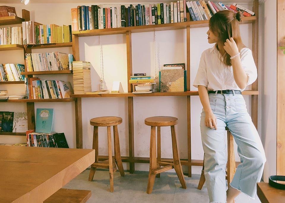 Saigon-reading-cabin-06