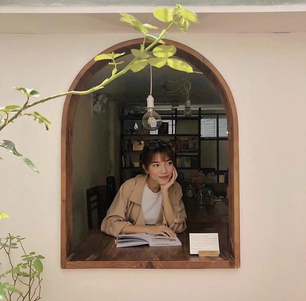 Saigon-reading-cabin-03