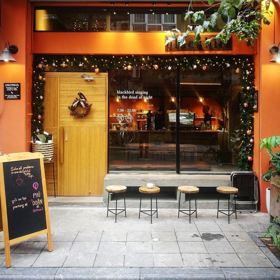 ha-noi-cafe-giang-sinh-blackbird-1