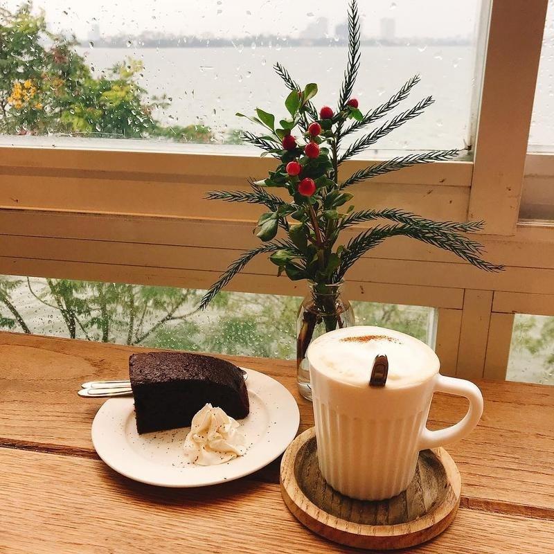 ha-noi-cafe-giang-sinh-cot-4