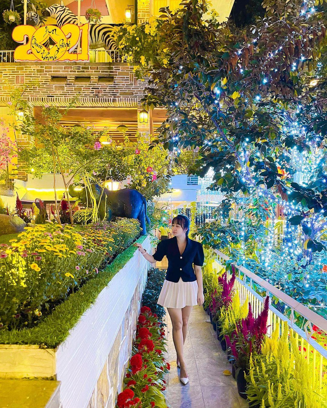 check in city garden cafe 5