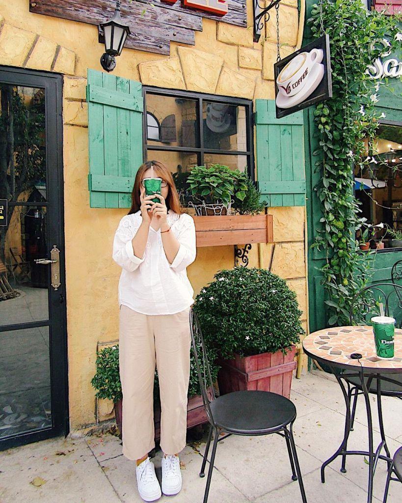 bien-hoa-quan-cafe-serafim-alley-9