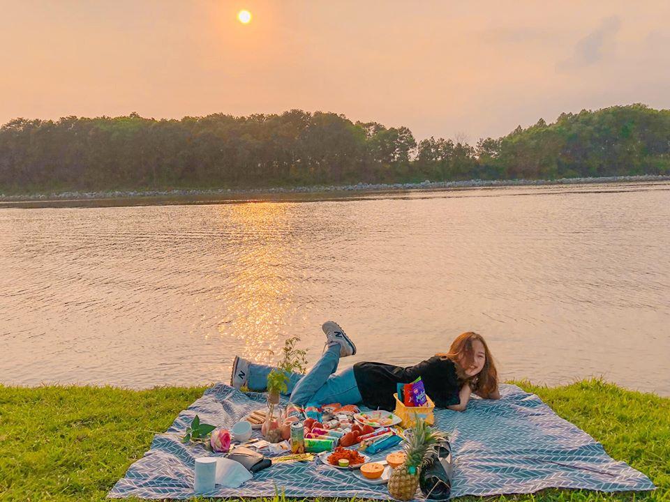 picnic-ven-song-Cau-02