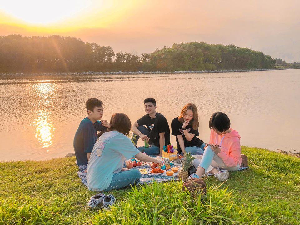 picnic-ven-song-Cau-01