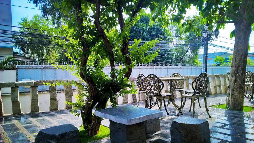 Stone-Castle-Cafe-quận-Tân-Phú-05