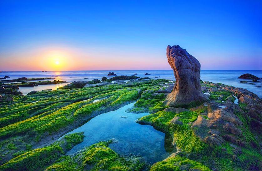 Địa-điểm-du-lịch-Phan-Thiết-bai-da-co-thach