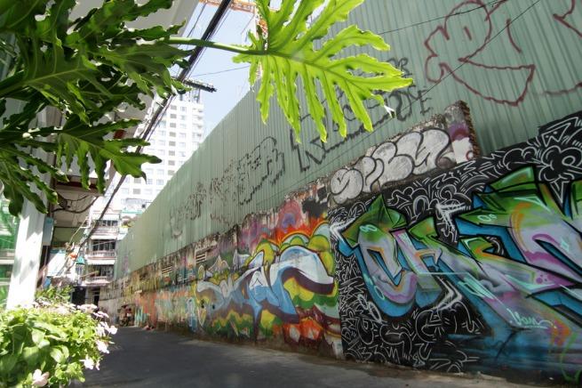 hem-graffiti-song-ao-sai-gon