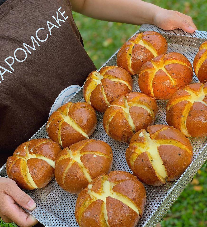 Banh-mi-bo-toi-pho-mai-napon-bakery