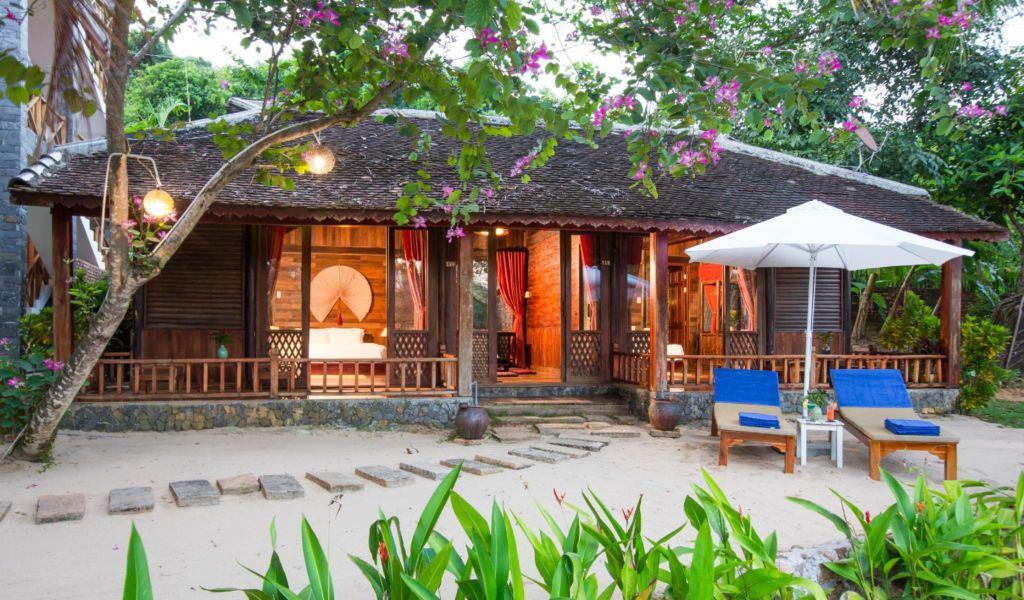 Khach-san-phu-quoc-gan-bien-Chez-Carole-Beach-Resort