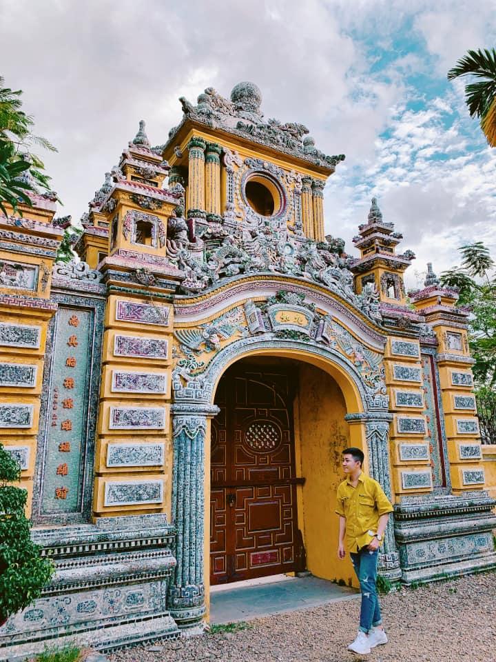 Cung An Định, ghé thăm cung điện cổ cực hot trong MV của Hòa Minzy