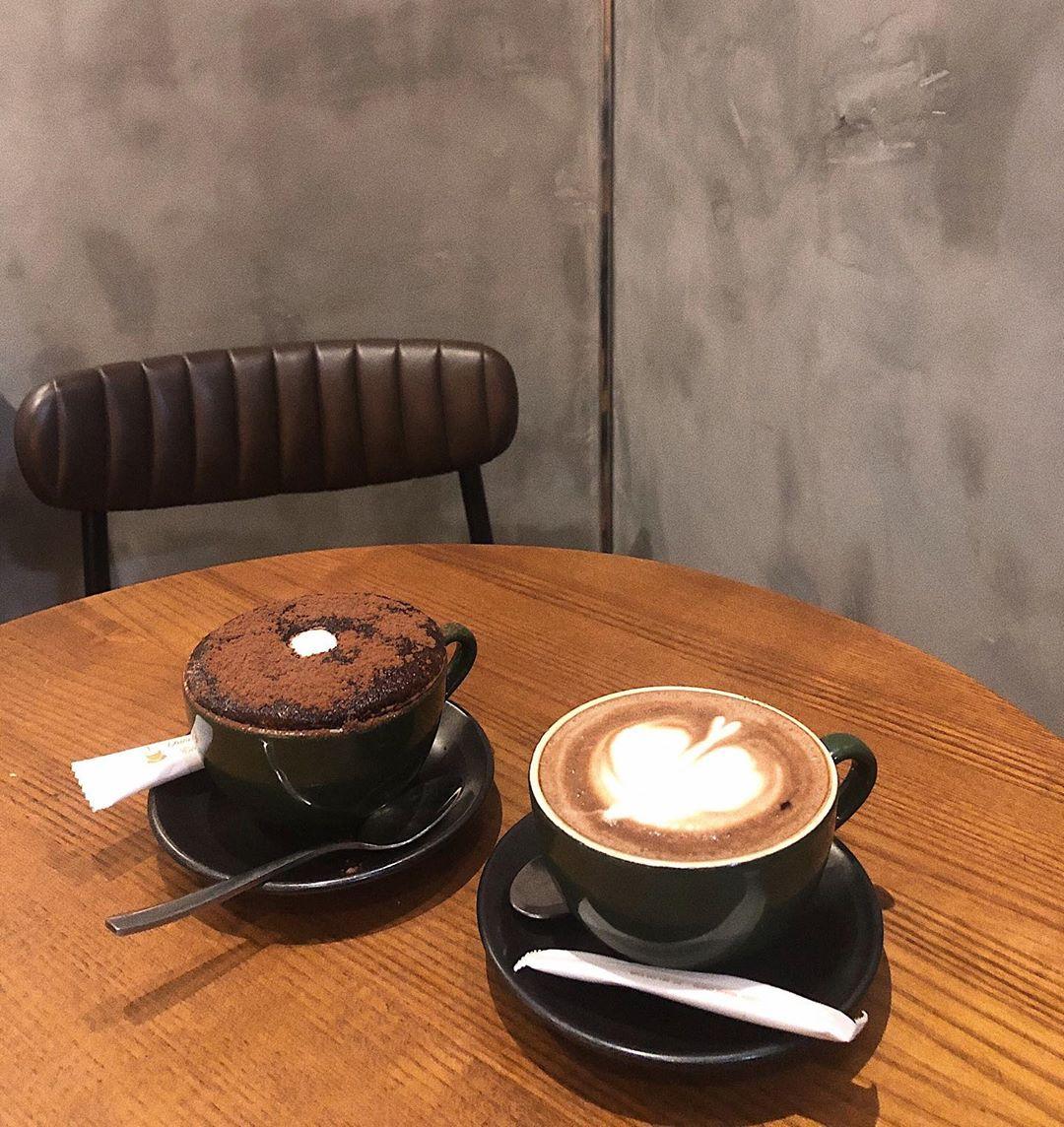 aroi_quan-cafe-mo-qua-dem-o-ha-noi
