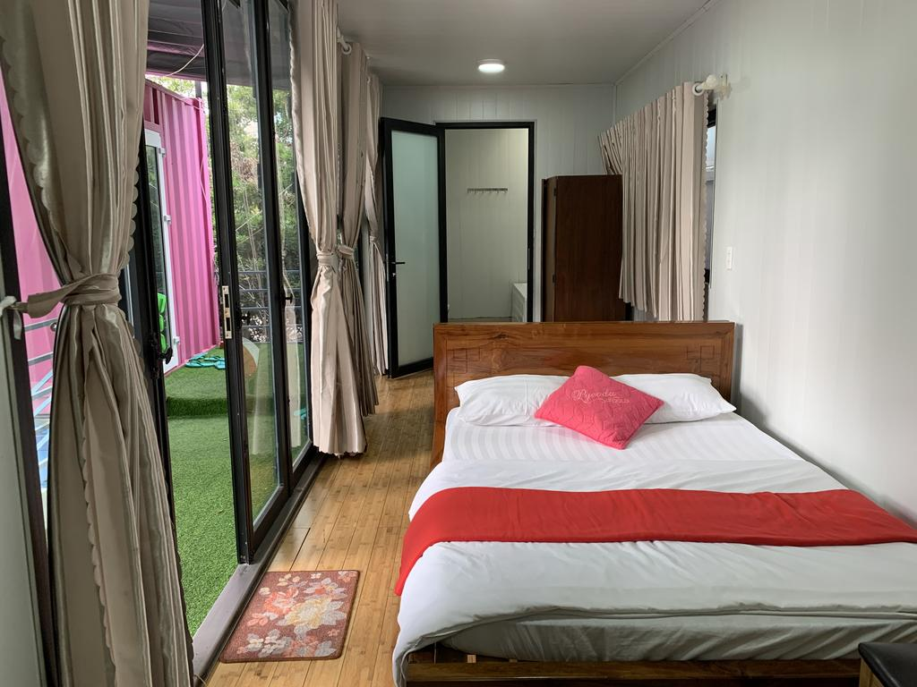 container-homestay