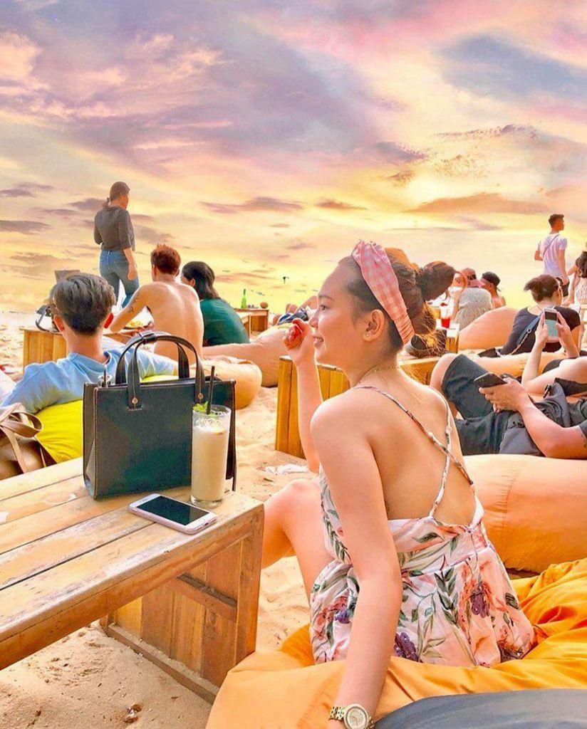 ocean-beach-bar