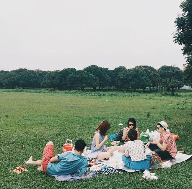 picnic-cuoi-tuan-o-vuon-nhan-gia-lam