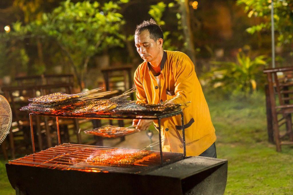 Nuong-BBQ-tai-Tam-Coc-Rice-Fields-Resort