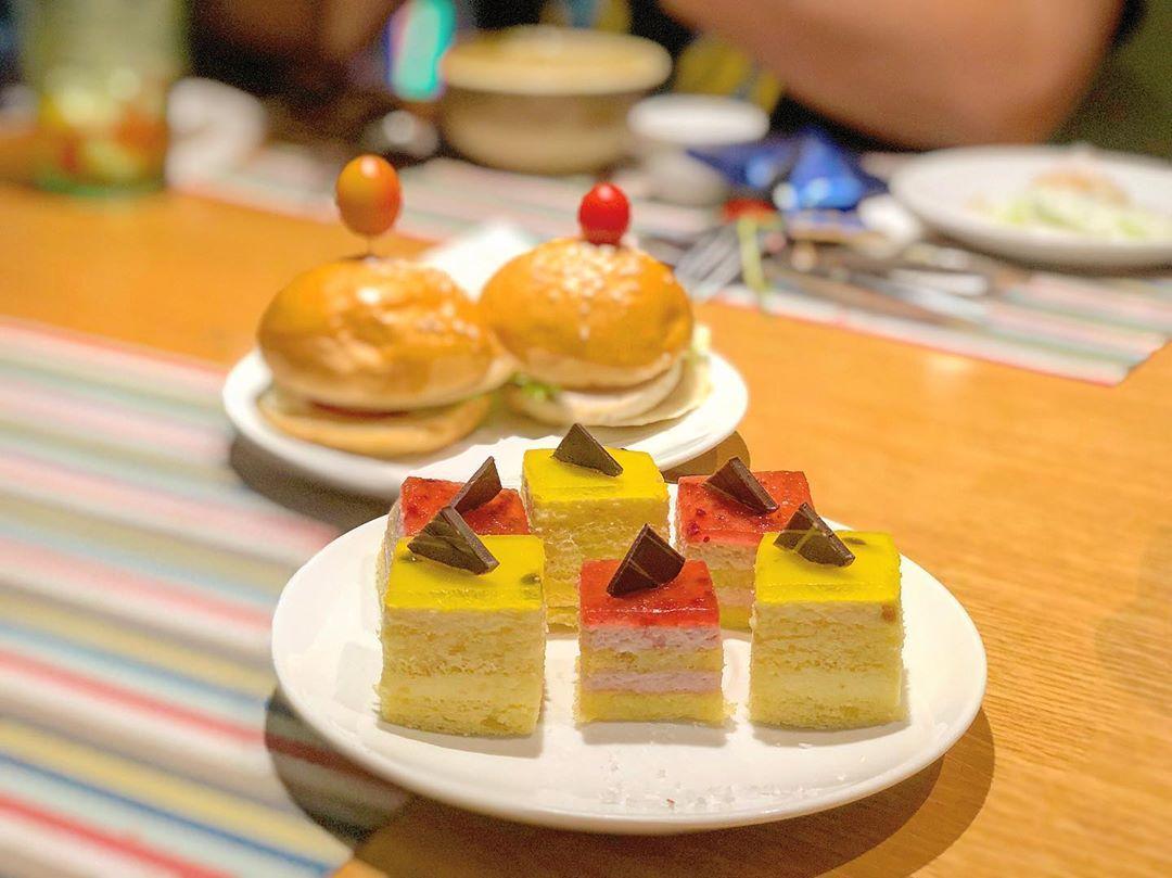 buffet hoang yen su van hanh
