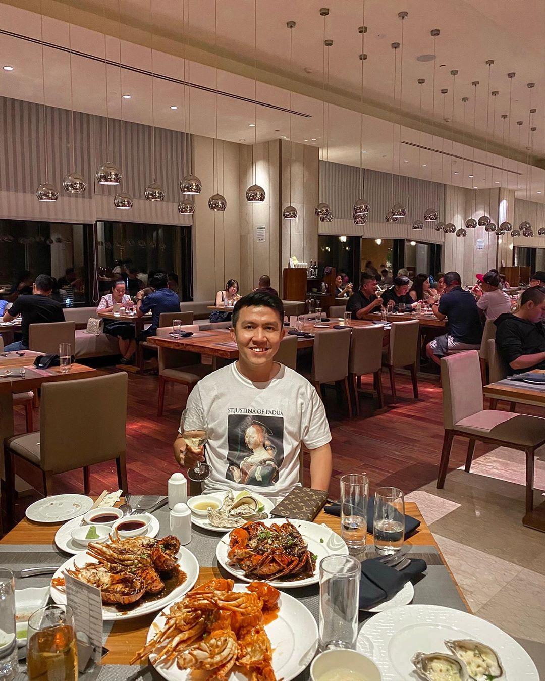 Buffet Nikko Saigon Hotel