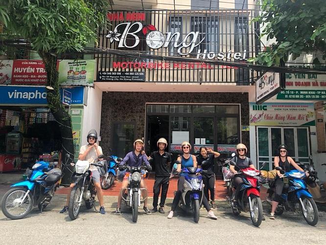phia ngoai bong hostel ha giang