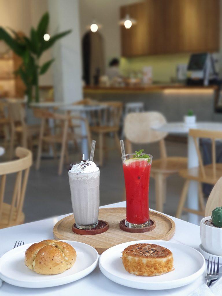 song cafe Ánh Nguyệt
