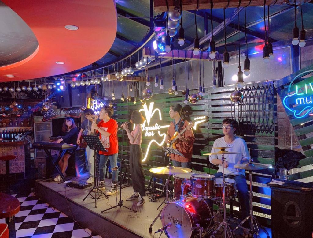 vsky acoustic phong tra da lat