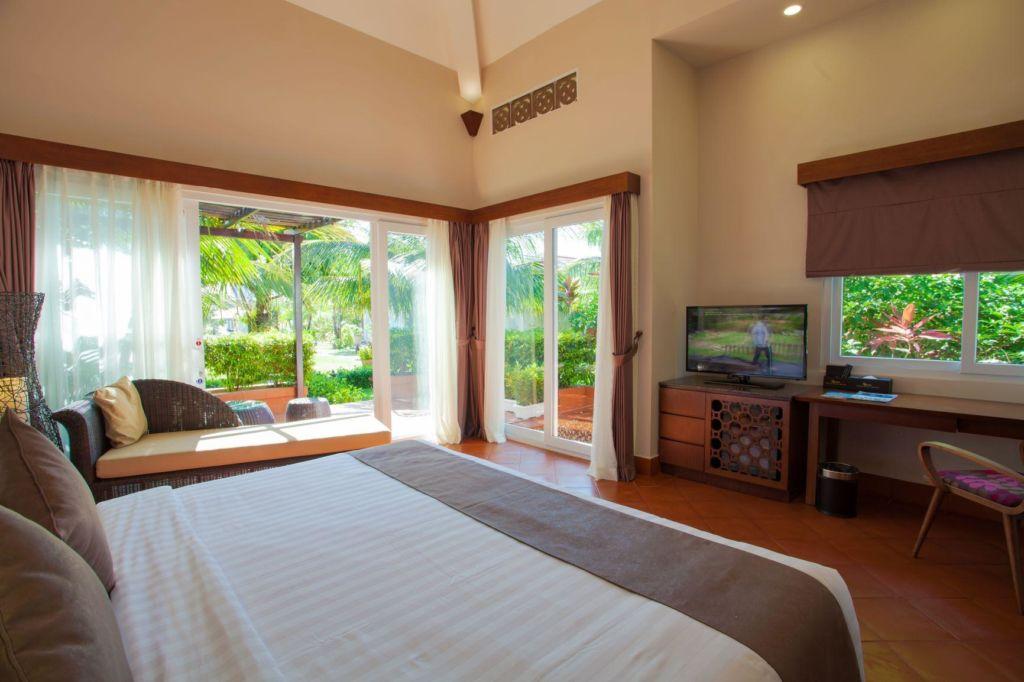 phong deluxe tai Mercury Phu Quoc Resort & Villas