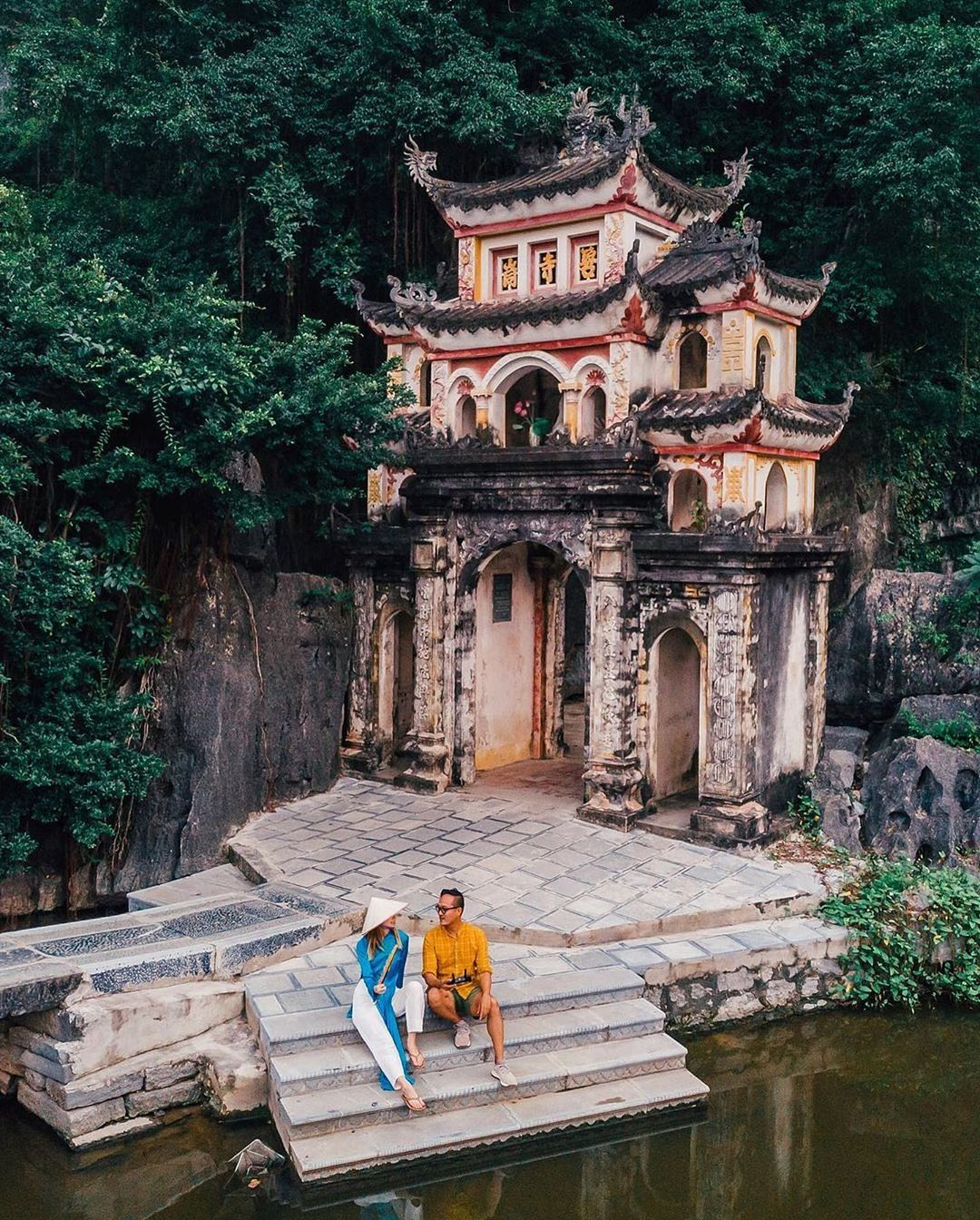 tam coc bich dong