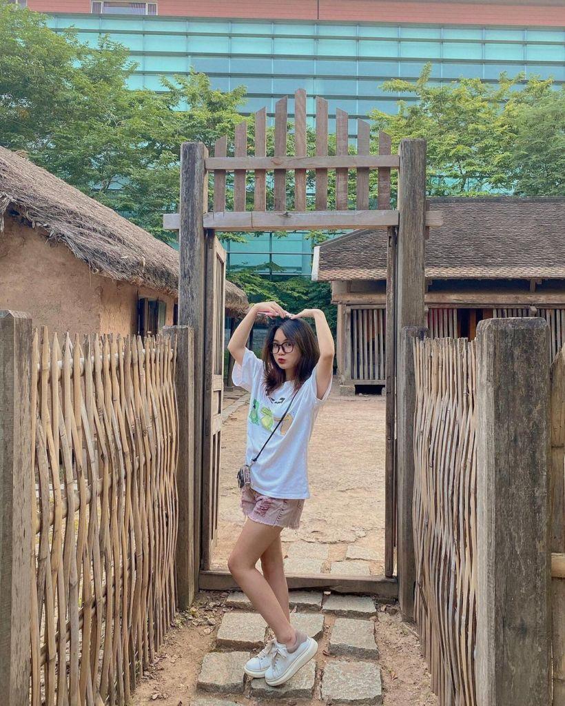 check in tai bao tang dan toc hoc