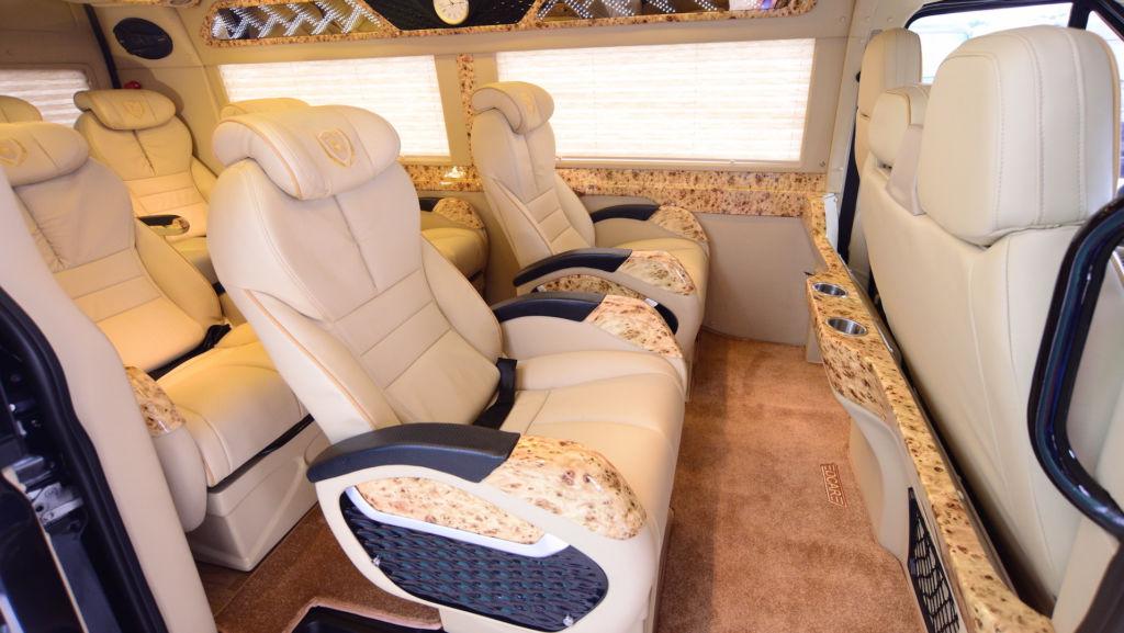 cuc tung limousine