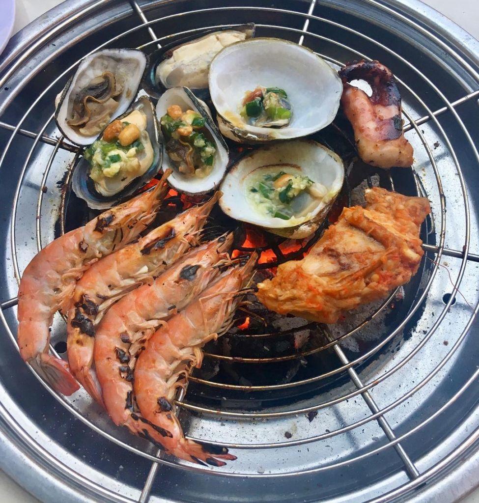 seafood hut